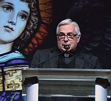 Bishop's Dinner: Fundraiser introduces Bishop Oscar A. Solis to area's wider faith community